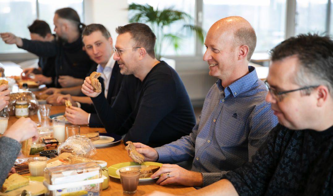 Lunchen op kantoor / Foto Marieke Wijntjes / 2020